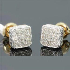 NEW* 18K white gold Diamond cut square earring
